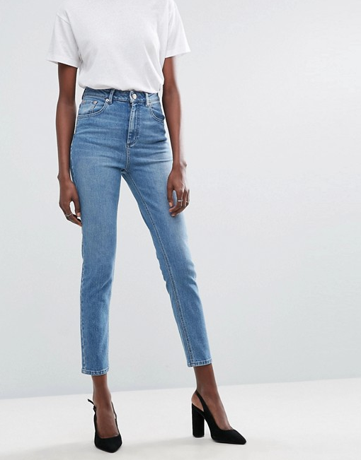 FARLEIGH High Waist Slim Mom Jeans in Prince Wash