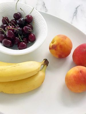 Here's What Happens When You Eat Nothing But Fruit for a Week