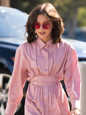 This Non-Millennial Can Teach Us a Lot About Wearing Pink