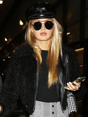These Celeb-Approved Zara Leggings Are Perfect for the Airport