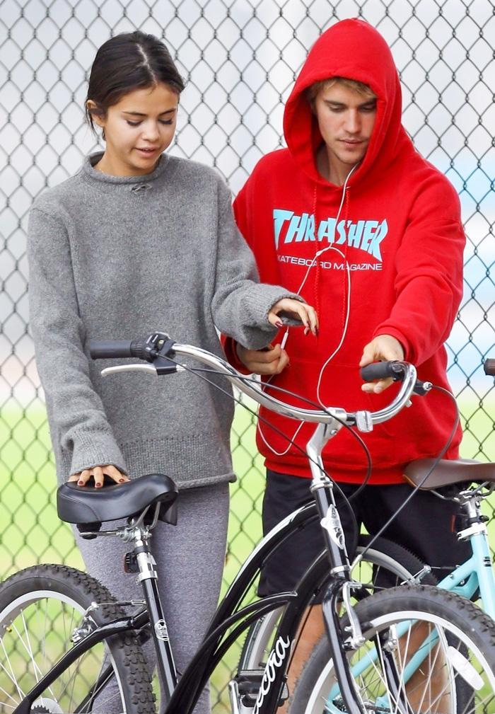 Selena Gomez Justin Bieber bike ride