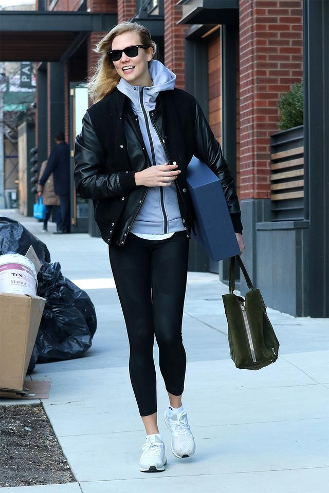 Karlie Kloss leggings