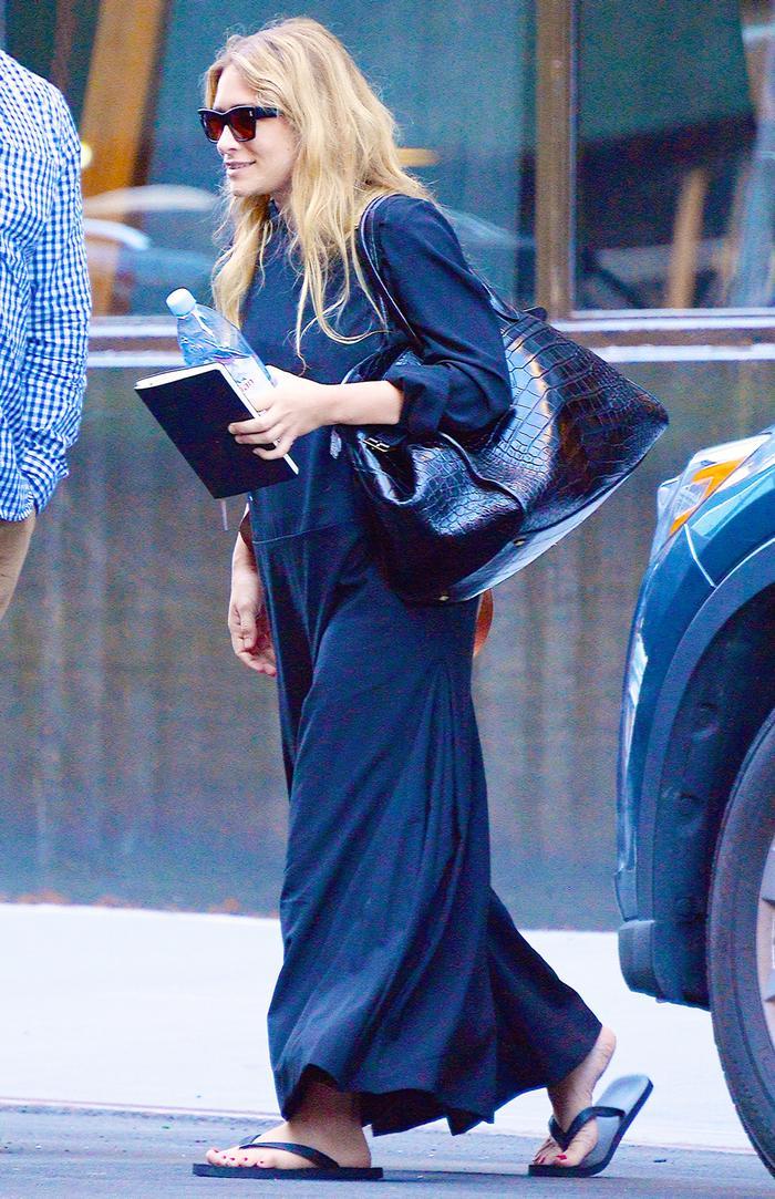 Ashley Olsen in Flip Flops