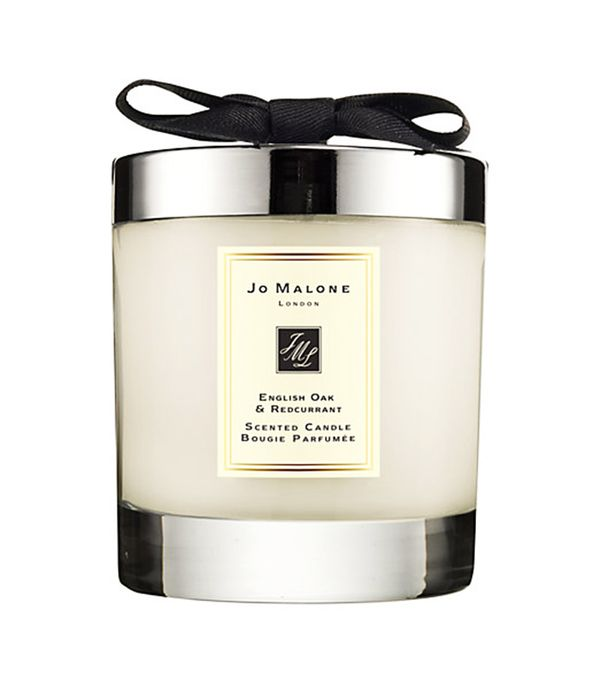 Personalised gifts for friends: Jo Malone London English Oak and Redcurrant Home Candle