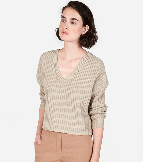 Women's Ribbed Wool-Cashmere Crop V-Neck Sweater by Everlane in Oatmeal, Size L