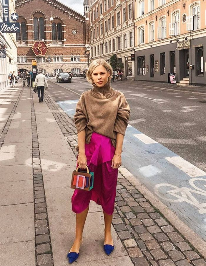 Colours to wear with brown: We The People Style wearing Topshop skirt and brown jumper