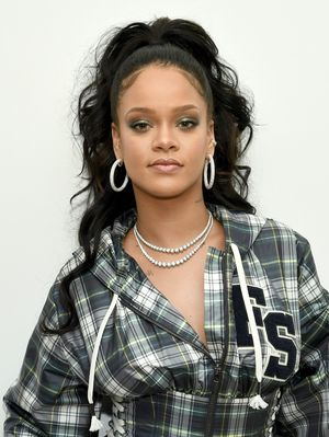 Rihanna Just Revealed That Even She Struggled With Confidence Issues
