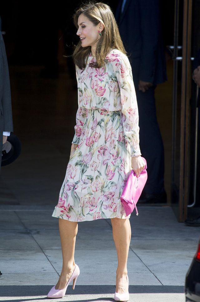 On Queen Letizia: Zara dress