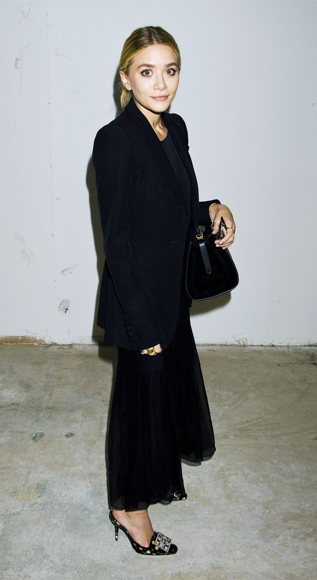 Mary Kate and Ashley Olsen all black outfits