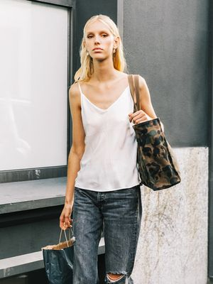 The One Thing You Should Never Wear With Ripped Jeans