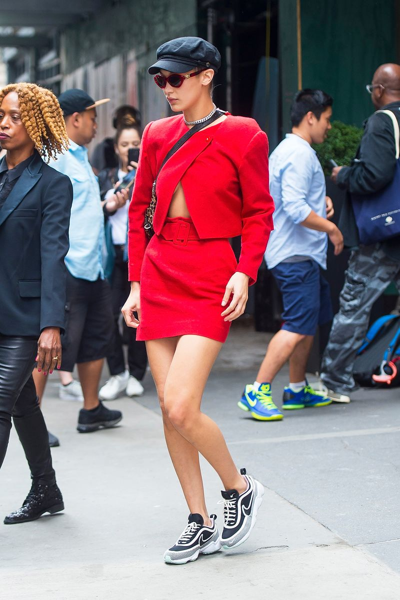 Blog mode, vetements fashion, fashion blog -The 5 Coolest Ways Bella Hadid Styled Sneakers in 2017 - 1