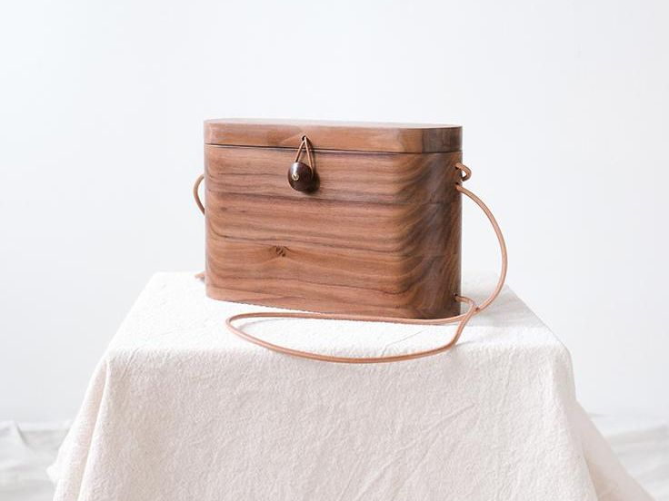 Blog mode, vetements fashion, fashion blog -This Turkish Brand Makes Cool Wooden Bags We Need ASAP - 1