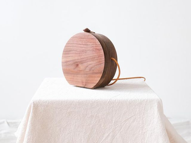 Grav Grav Circle Walnut Wood Shoulder Bag