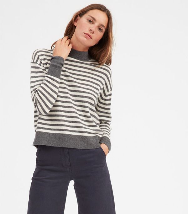 Women's Cashmere Crop Mockneck Sweater by Everlane in Charcoal / Ivory, Size XS