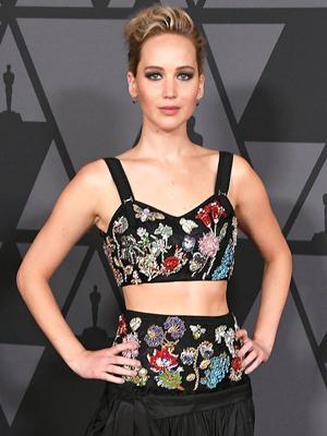 Of Course Jennifer Lawrence Photobombed Emma Stone on the Red Carpet