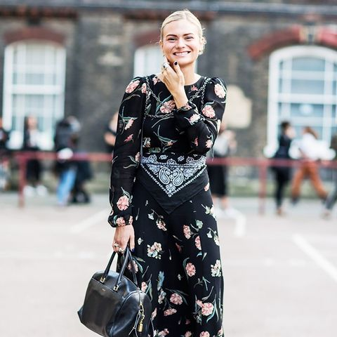 ways to wear maxi dresses in winter: wrap a bandana around a floral drss