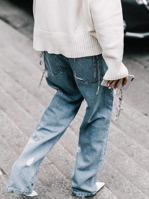 The Boyfriend Jeans Fashion Girls Wear on Repeat