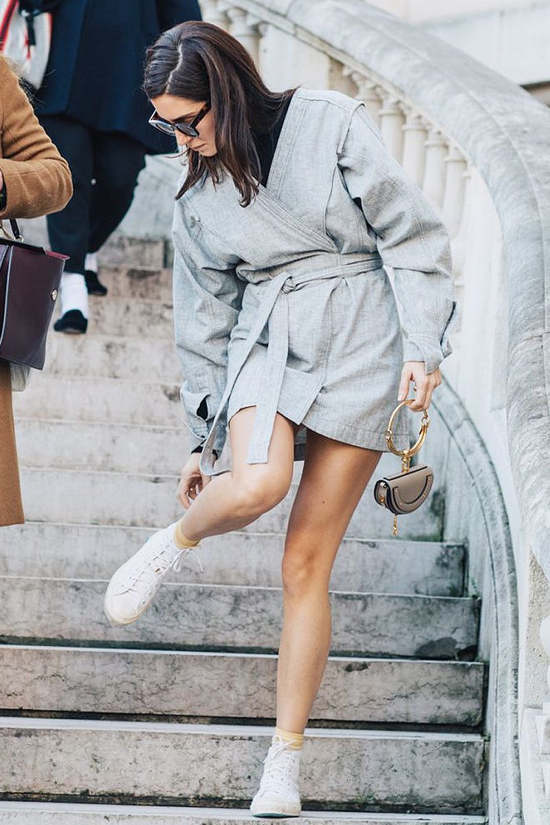 Blog mode, vetements fashion, fashion blog -21 Pretty Outfits With White Converse - 0