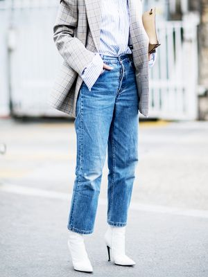 How to Wear Boyfriend Jeans in the Winter (Proof It's Possible)