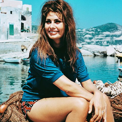 sophia loren style: in a pair of small shorts and blue t-shirt