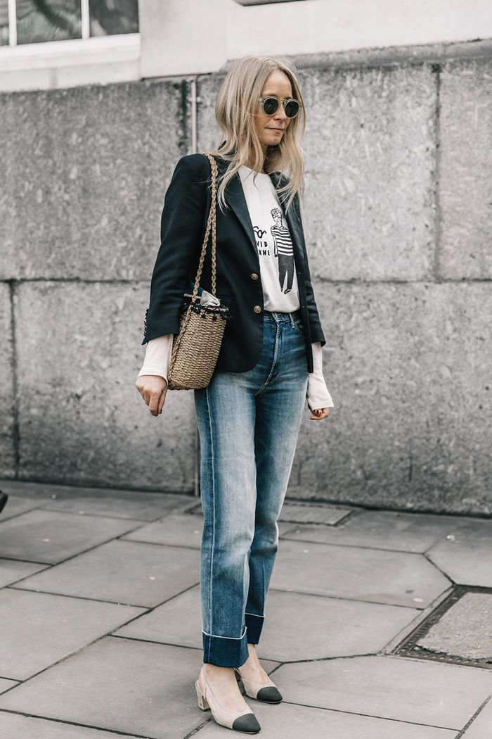 22 Casual Friday Outfits That Still