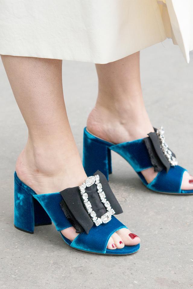 velvet shoes, street style