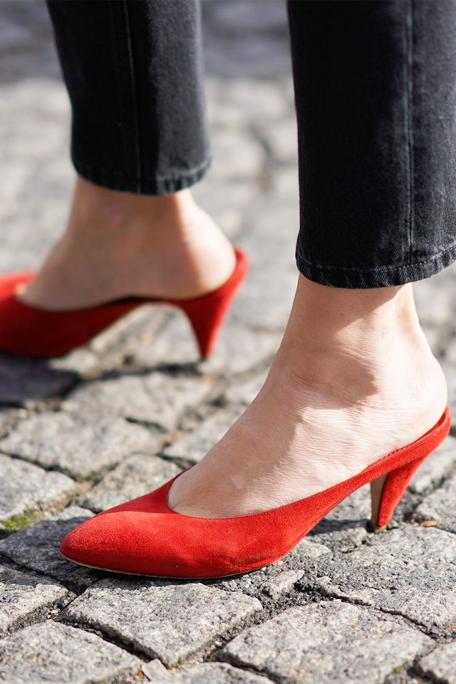 red shoes, street style