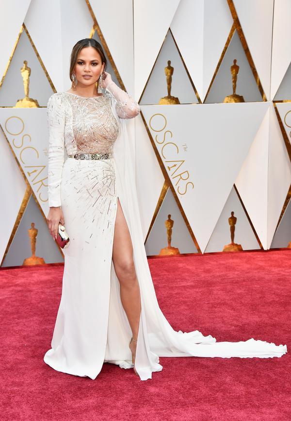 Who:Chrissy Teigen What: The2017 Oscars Wear:Zuhair Murad