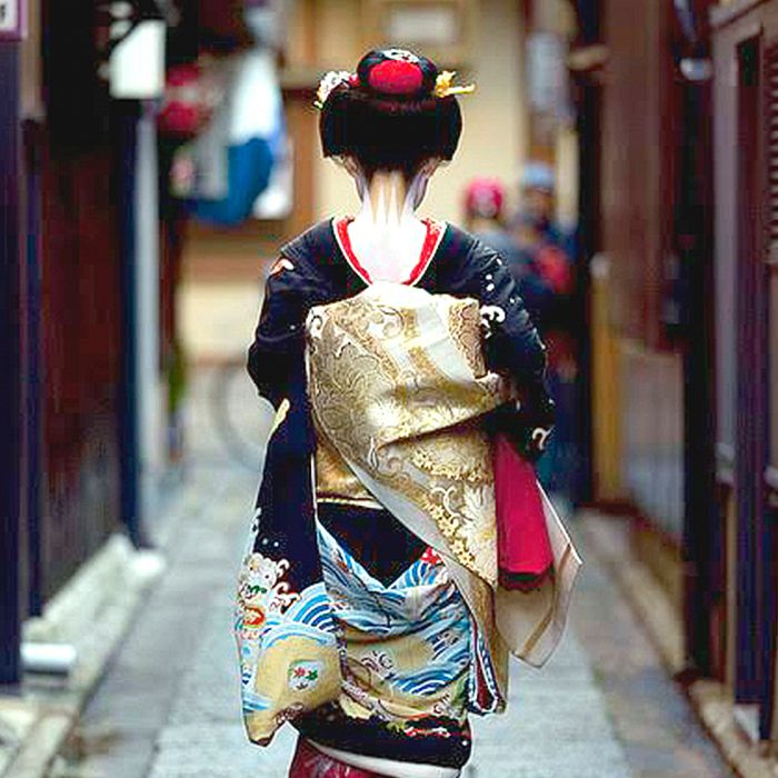 4 Japanese Wellness Tips, Inspired by the Modern-Day Geisha