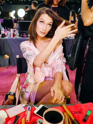 9 Beauty Products We Spied Backstage the Victoria's Secret Fashion Show