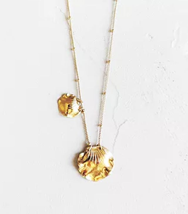 Shell necklace trend: Shell necklace
