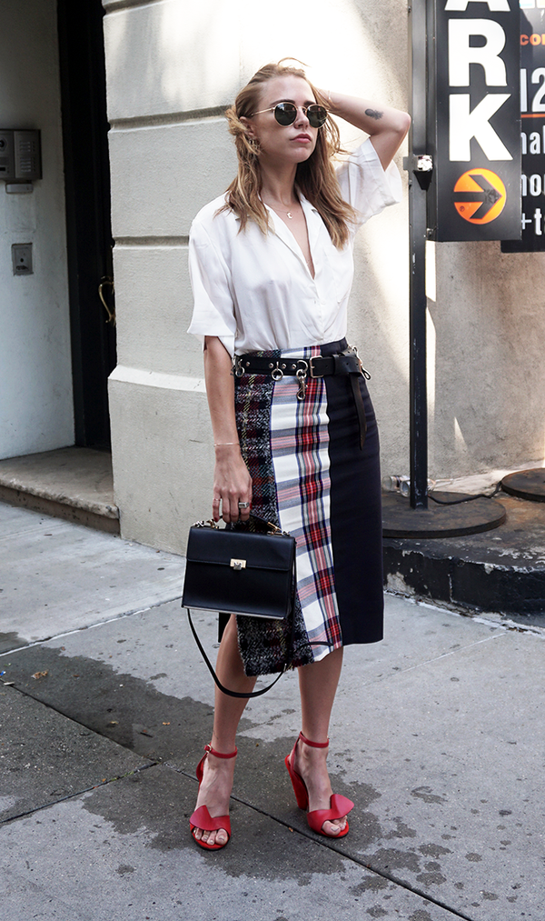 How to Wear a Pencil Skirt