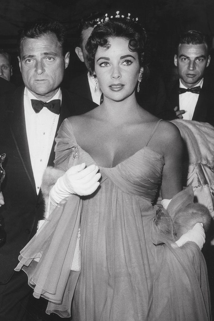The Best Red Carpet Looks From Old Hollywood Who What Wear