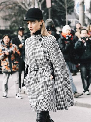 16 Cute Outfits to Wear With Hats This Year