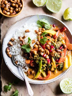 Half Baked Harvest Shows Us How to Make a Mouthwatering Thai Curry Recipe