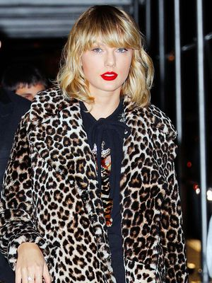 Taylor Swift Is a Badass on British Vogue's Amazing New Cover