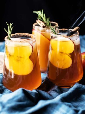 These 7 Apple Cider Cocktails Were Made for Cozy Nights In