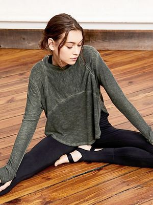 This Barre Expert Dishes Exactly What to Wear to Class