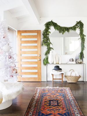 How to Decorate a Chic and Festive Home (That Won't Break the Bank)