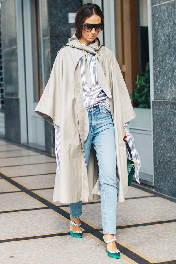 tranch coat and jeans outfit