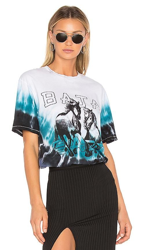 Two Horses Graphic T-Shirt in Blue. - size 1 (also in 0,00,2)