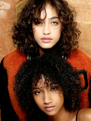 A Definitive Guide for How to Blow-Dry Curly Hair