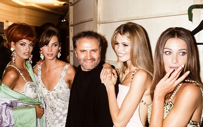 '90s supermodels: Gianni Versace with Linda Evangelista, Christy Turlington, Claudia Schiffer and Carla Bruni