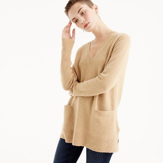 V-neck front pocket tunic in supersoft yarn