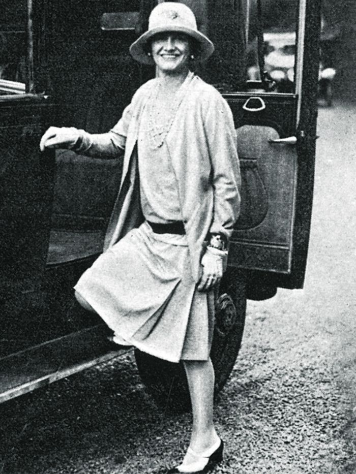 1920s Fashion And The 5 Trends Coco Chanel Kick Started Who What Wear