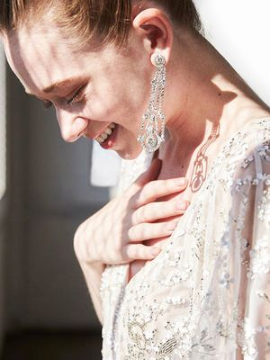 18 Pretty Earrings to Wear on Your Wedding Day