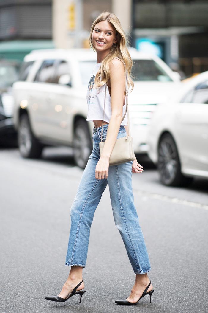 The Best Shoes to Wear With Mom Jeans Hvem som har på seg  Who What Wear