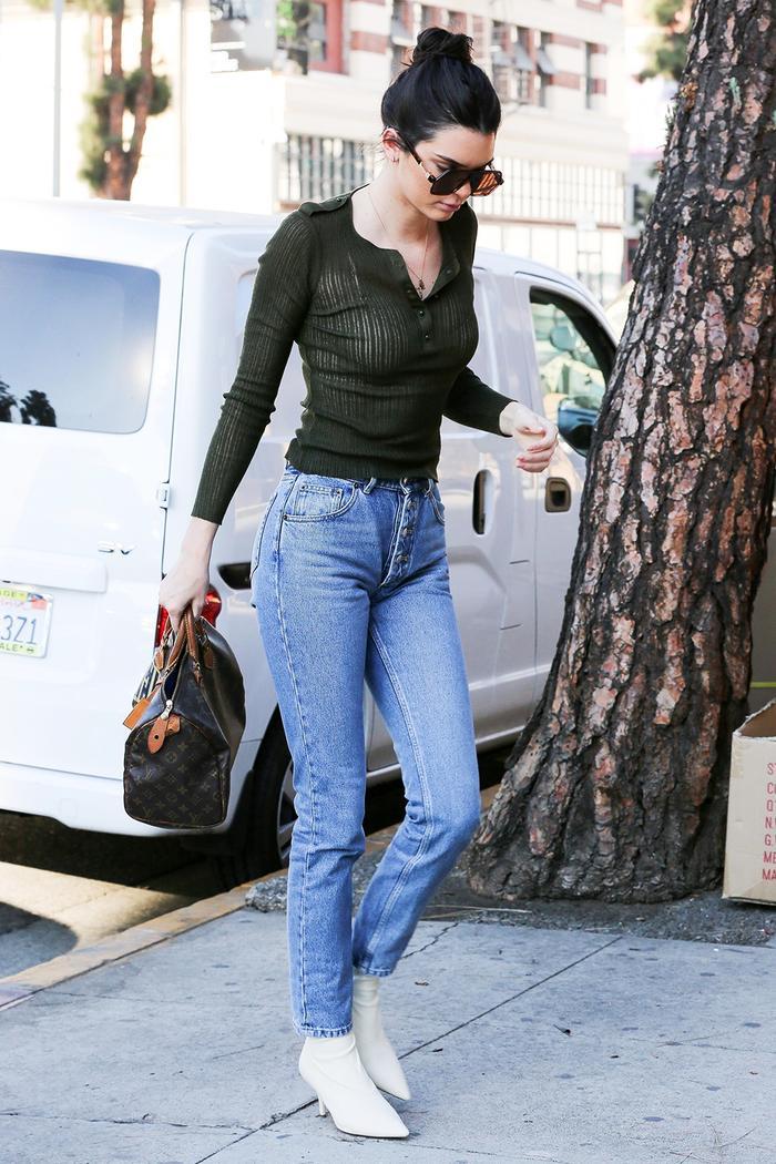 kendall jenner mom jeans