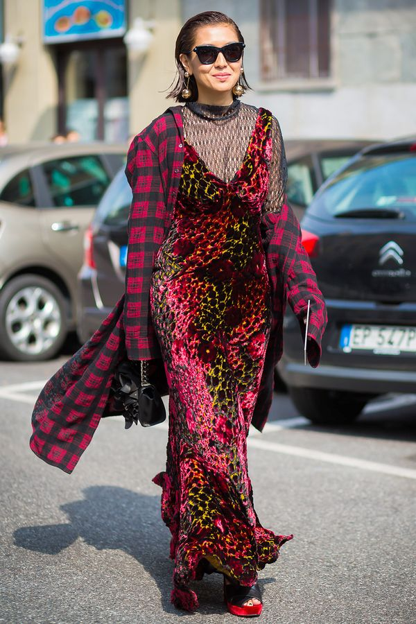 Try wearing an oversize flannel over a dress for grungy look.