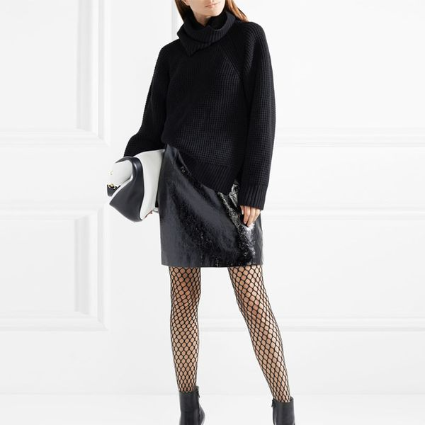 How to Wear Fishnet Tights and Look Chic